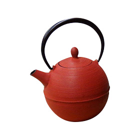 Products by the famous Japanese ironware brand Iwachu.