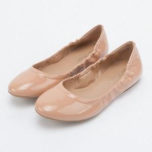 時尚百搭亮皮尖頭娃娃鞋