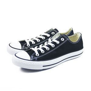 Chuck Taylor All Star 帆布鞋
