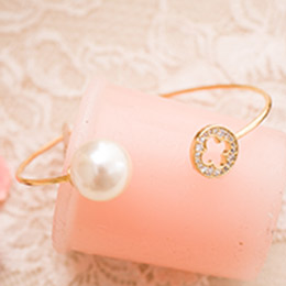 巴洛克細語鏤空花鑽綴珍珠開口式手環