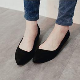 簡約質感皮紋尖頭平底鞋