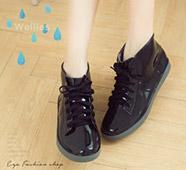黑系綁帶中筒果凍雨鞋