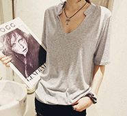 V領設計素色百搭短袖T恤