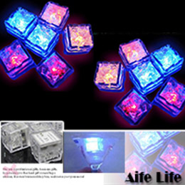 七彩LED遇水即亮發光冰塊燈