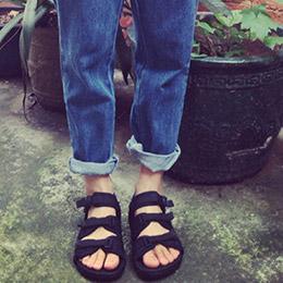 經典款暗黑百搭涼鞋