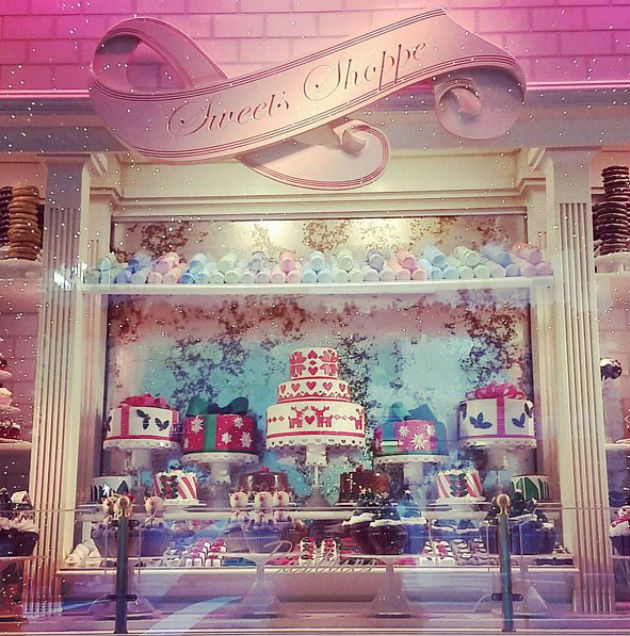 Best-Department-Store-Holiday-Windows-2015 (4)