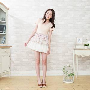兩段剪裁點點輕紗短裙