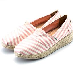 精緻雕花縷空尖頭鞋