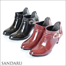 時尚感皮革微尖短靴