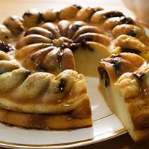 布列塔尼蜜李布丁甜糕+瑪琳果