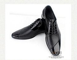 簡約獨特設計時尚皮鞋
