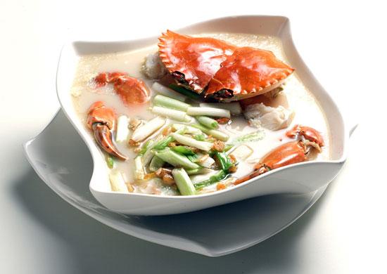【高記】上海蔥開鮮蟹煨麵,俱「深度與層次感」的美味,儘收嘴底。