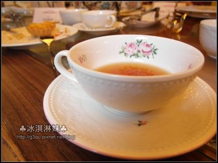 Spring喝的是伯爵茶 好香 也很回甘