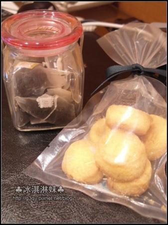 他們的手工餅乾也好好吃 不油 而且不乾 不會吃了一直很想喝茶
