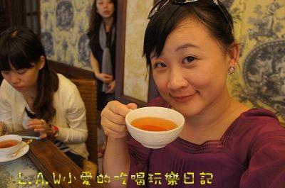 小愛是喝的是黃金烏瓦,透徹的茶湯,純淨的風味。