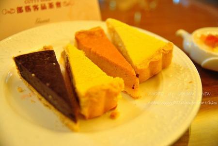 起司塔有巧克力可可、原味起司、南瓜起司、香蕉焦糖