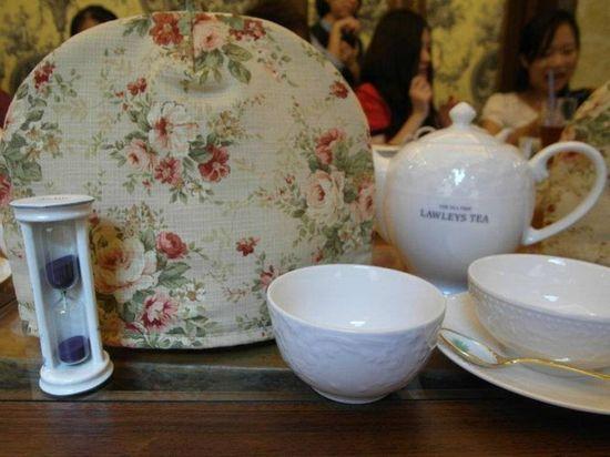 泡茶的同時使用保溫罩是紅茶好喝的秘訣