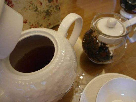 每一壺紅茶的最後一滴是最珍貴的,它叫黃金滴