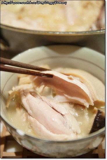 點水樓砂鍋火烔雞湯,榮獲2012蘋果網購年菜評比湯鍋羹類第一以及2012蘋果量販年菜評比湯類第二