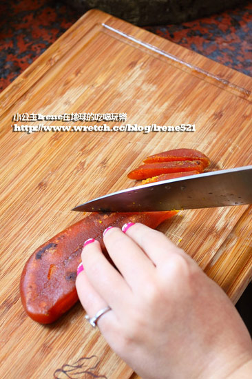 榮獲蘋果日報年菜評比第二名佳績的海鮮市集東港野生烏魚子