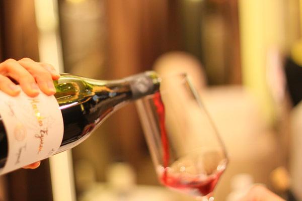春日品酒,紅酒、白酒、氣泡酒