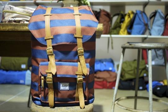 Herschel,outdoor背包,休閒包,潮牌,後背包,條紋