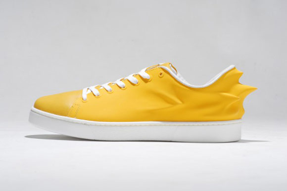 HUSSEIN CHALAYAN X PUMA URBAN SWIFT 黃鞋身