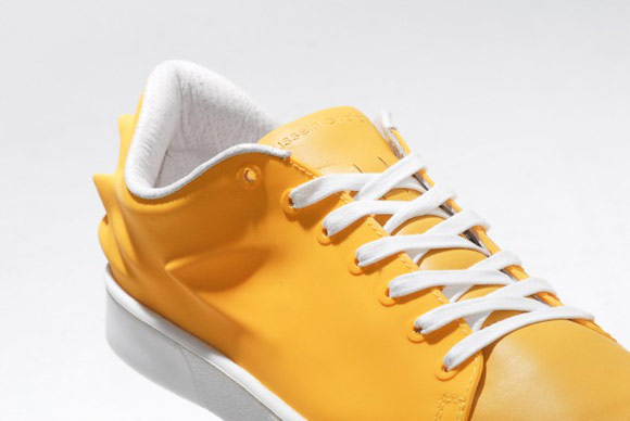 HUSSEIN CHALAYAN X PUMA URBAN SWIFT 黃色