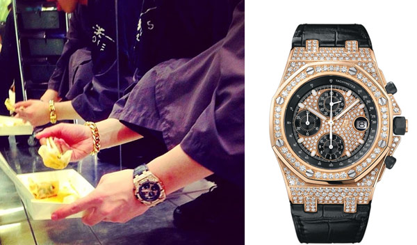 ▲同樣是愛彼皇家橡樹離岸型(Royal Oak Offshore)系列錶,潘瑋柏近日亮相戴著18K玫瑰金計時碼表,鑲滿341顆美鑚,耀眼奪目,高貴質感不僅不落俗套,反而豪氣萬千。尤其當嘻哈街頭風配件,吹起誇張的金飾炫風,這支「黑與金」搭配,是為時下相當時尚的配件。(合成圖/左圖截自潘瑋柏臉書粉絲團,右圖截取自愛彼錶官網)