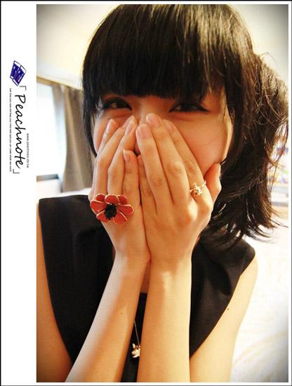 手一伸出去絕對萬眾注目,不管是誰經過都會喵一下你手上的戒指