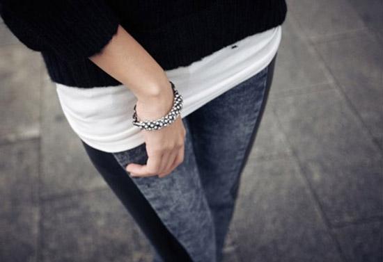 水鑽的手環要搭配各種款式的衣服都很適合,不管是要貴氣或是時尚個性都能襯托出不同的質感