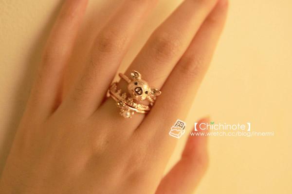 戒指很少看到造型做小豬的,也許是很難做的可愛吧XD不過APM就超專業!!豬豬的質感做的超級細膩,皮膚鼻子的細節都做的很真實~