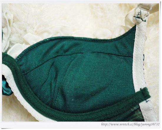 部落客CHOCO日系內衣,無痕美胸款,蕾絲美型爆乳款,印花荷葉美胸款,W杯雙肩帶爆乳款,一體成型格紋無痕集中款