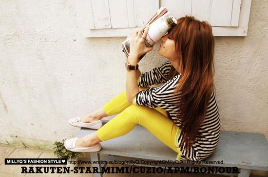 簡約穿搭,條紋長版上衣,棉質內搭褲,亮皮尖頭平底鞋,印花短袖T恤