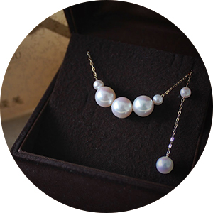 Akoya Pearl Set (Necklace/Earring)