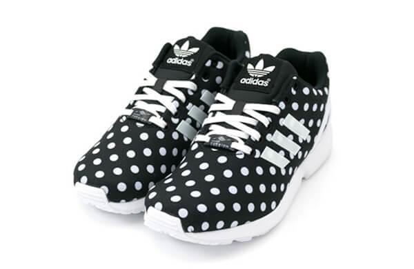 黑色運動鞋
