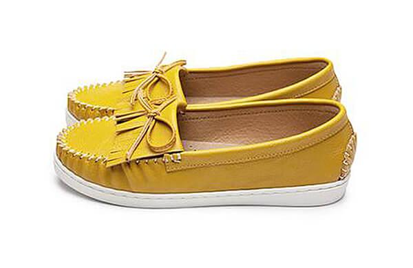 黃色休閒鞋