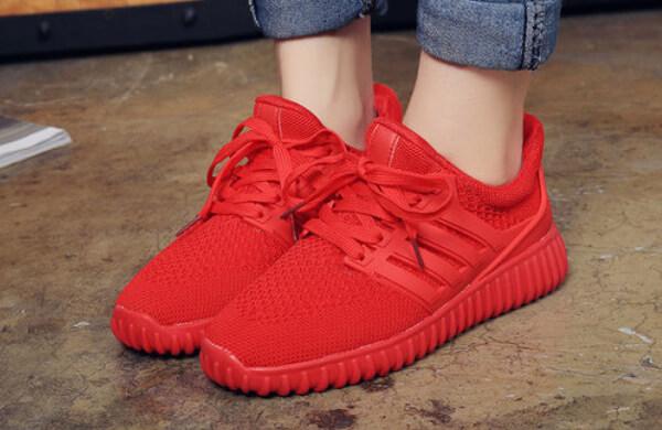紅色休閒鞋