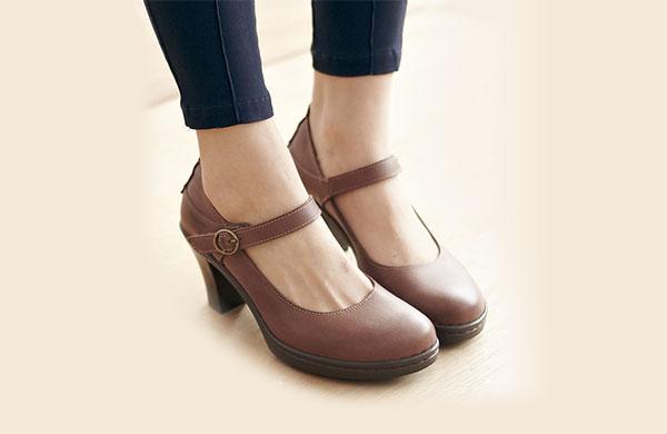 杏仁尖楦高跟鞋