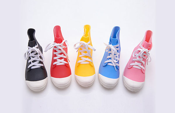 運動型雨鞋