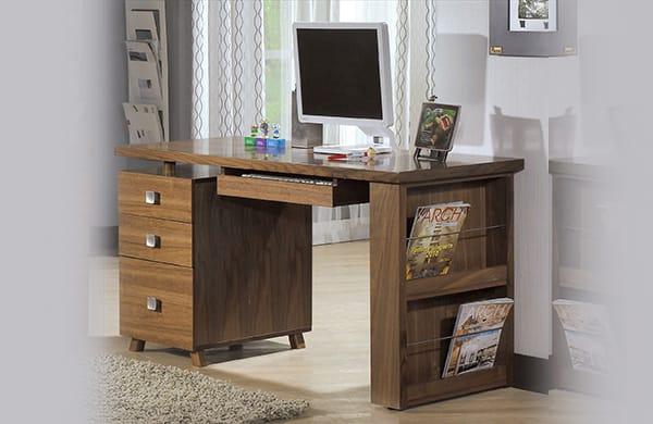 附收納櫃的電腦桌
