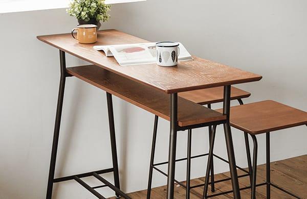 選擇高度高的餐桌椅