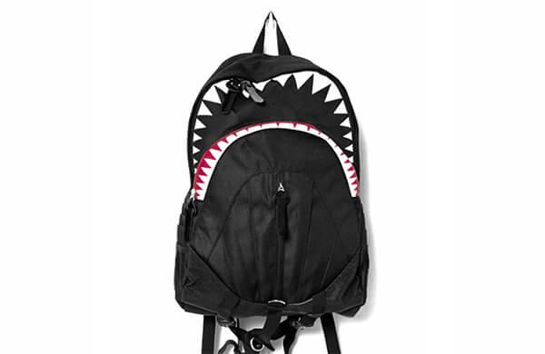 鯊魚造型後背包