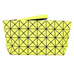 BAOBAO幾何方格4x8大手拿包(螢光黃/霧面)