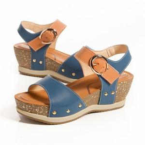 金屬釦環配色 厚底曲線涼鞋