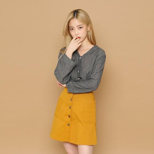 簡約純色單排扣短裙