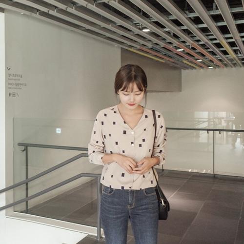韓版時尚休閒百搭v領襯衫