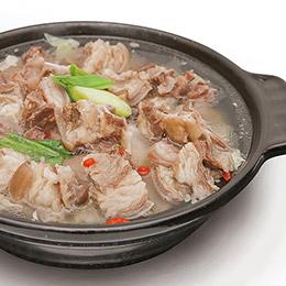 台南知名羊肉爐★羊泉清燉羊肉爐