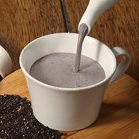 黑芝麻紫米拿鐵無糖款