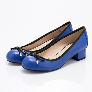 手工羊皮娃娃鞋